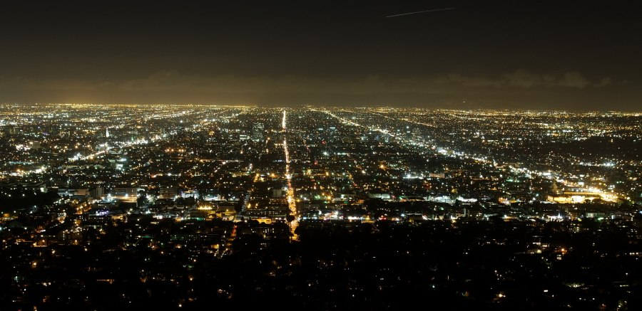 Los_Angeles_from_Griffith_Observatory_(5434943823)_By KimonBerlin (httpswww.flickr.comphotoskimon5434943823) [CC BY-SA 2.0 (httpcreativecommons.orglice