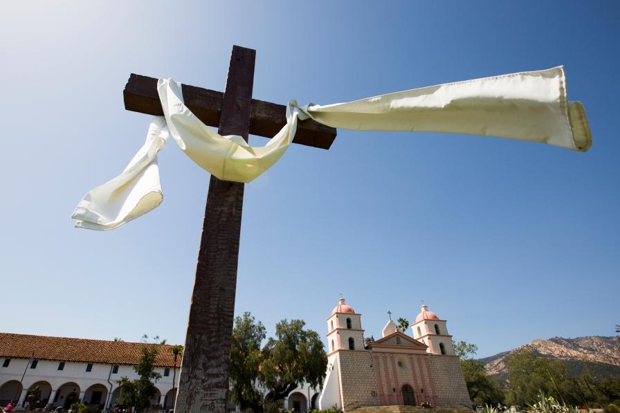 Contemporary religious services continue at Mission Santa Bárbara.